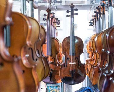 高価なバイオリンを選ぶ際の注意点