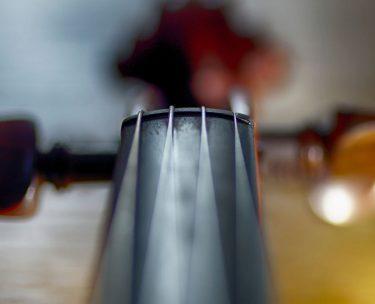 バイオリンの弦が切れやすい原因を解説