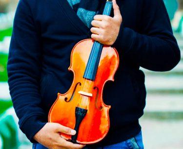 バイオリンからビリビリ音が聞こえるます。理由は?弦?本体?
