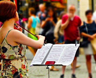 バイオリンを始めたいけど楽譜が読めなくても大丈夫?