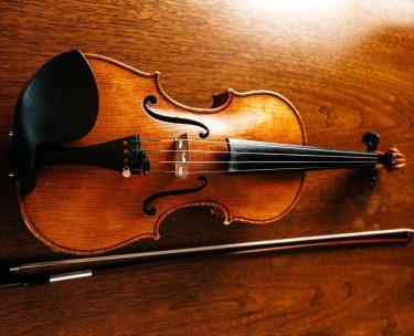 【バイオリンが届いたら】買ってから演奏までにすることまとめ