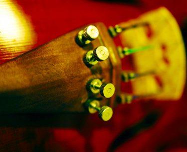 バイオリンにアジャスターを付けるメリットとデメリット