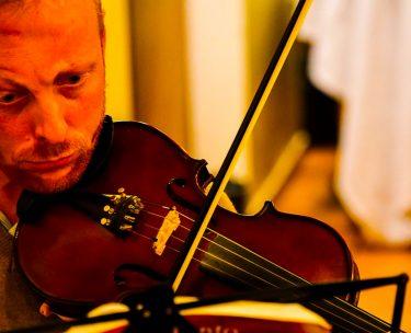 バイオリンやチェロから出てくるウルフ音を消す方法とデメリット