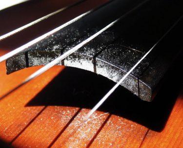 バイオリンやビオラを香水で拭くって嘘?本当?それって大丈夫?